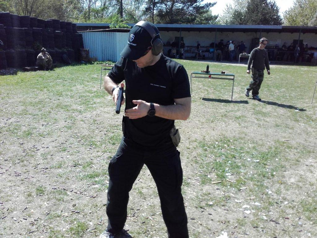 Michal na kurze Pištoľ 1