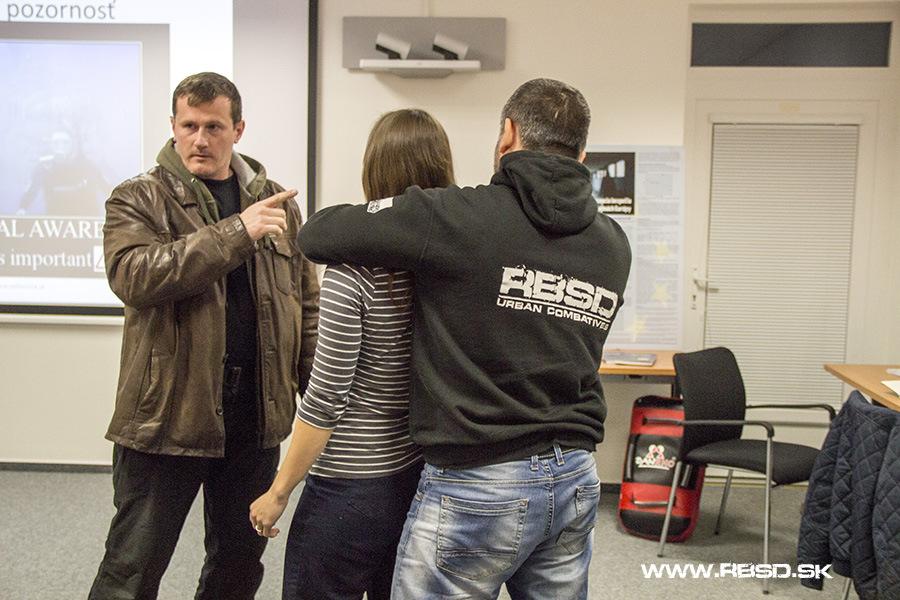 Sebaobrana a situačná pozornosť pre ženy - detekcia hrozby, workshop v spolupráci so Slovenskou akadémiou vied